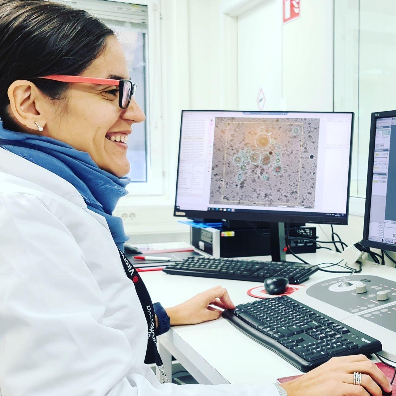 Vanessa-Carvalho-in-Vironova-GMP-Lab