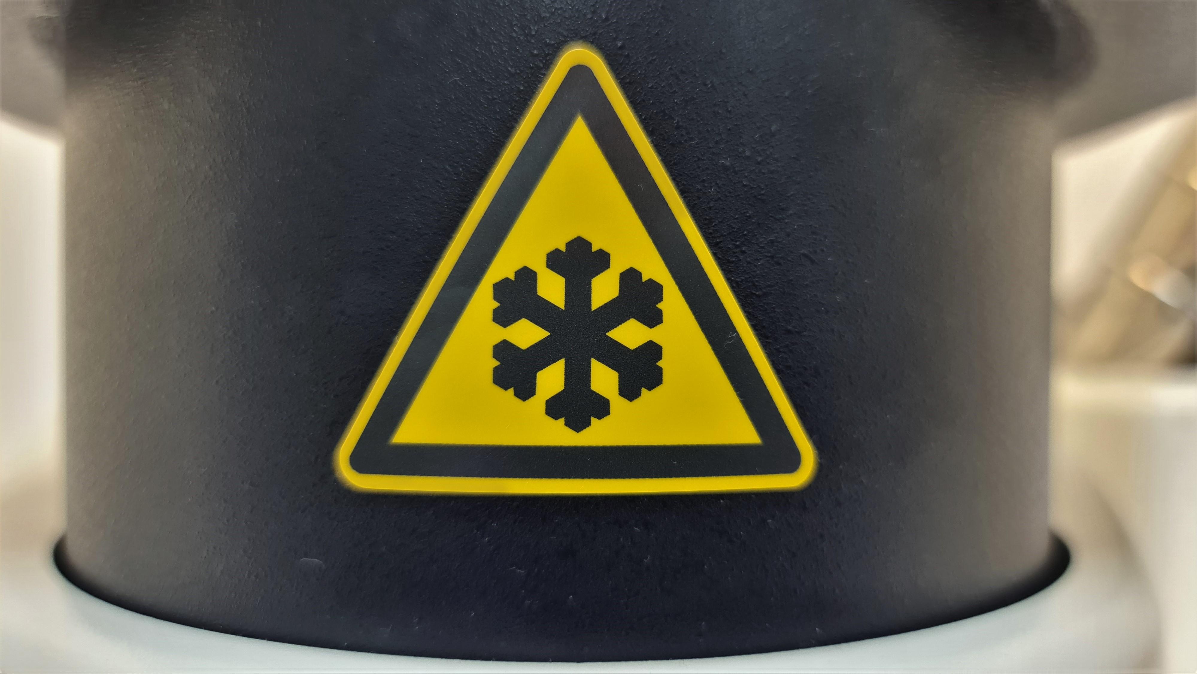 Snowflake-sign-in-GMP-certified-TEM-Lab-Vironova
