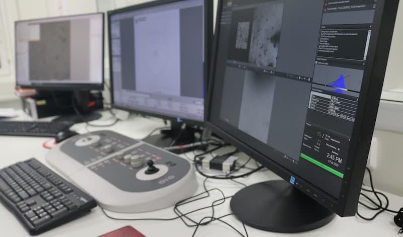 Vironova Analyzer Software (VAS) used on a computer